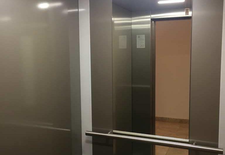 Veliki premium stan na prvoj liniji u Rafailovići