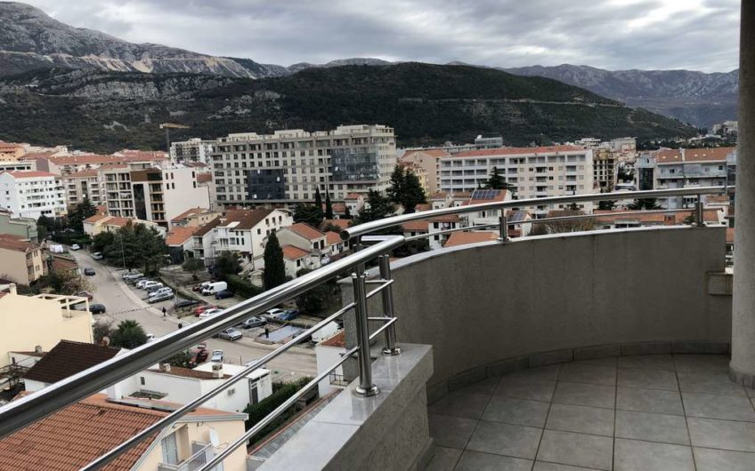 Large apartment with two bedrooms and sea views located in Budva