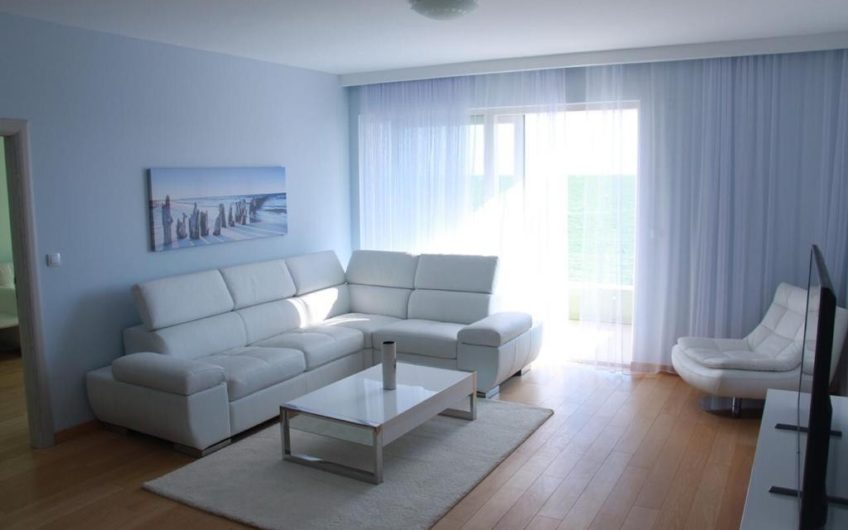 Spacious apartment in Rafailovici. Sea front!