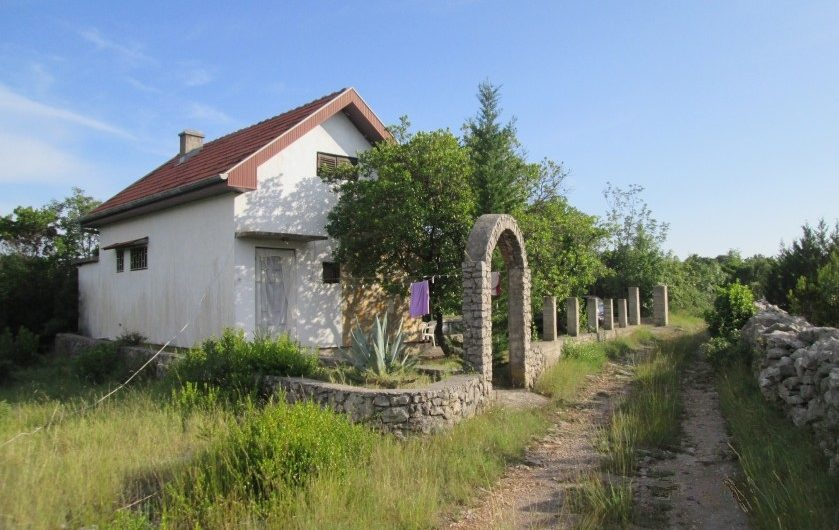 Country house Lustica. Inexpensive property in Montenegro