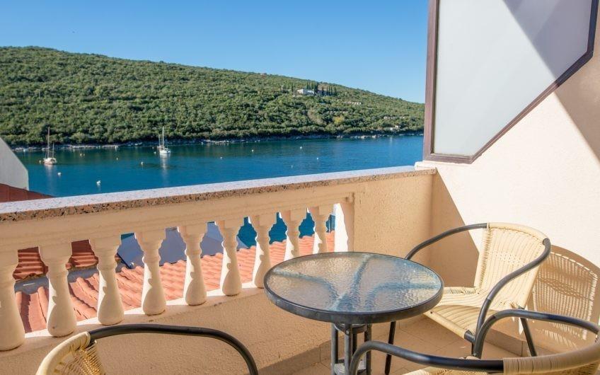 Apartment in Bigova with sea view and patio