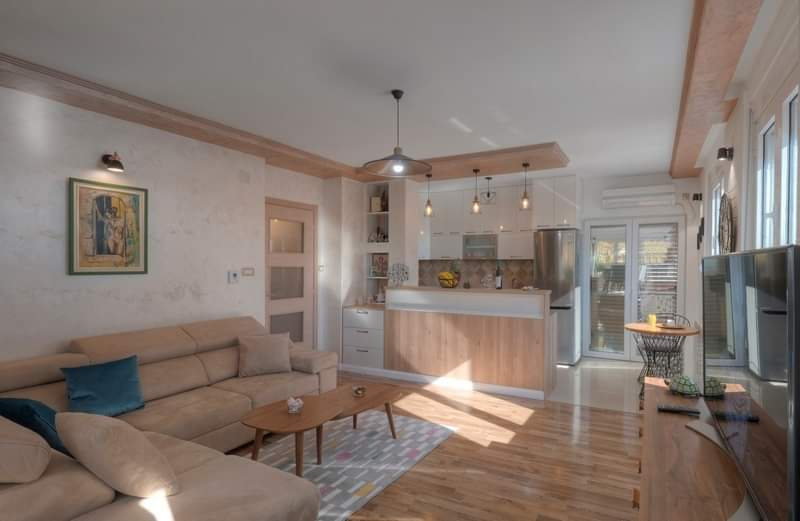 Apartment with 3 bedrooms in the strict center of Budva