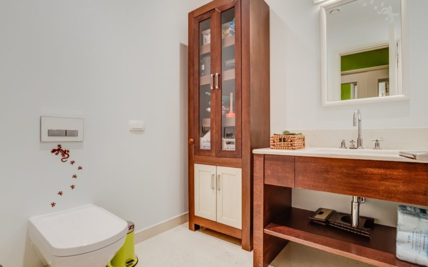 Apartment with access to pool in Porto Montenegro. Hot sale
