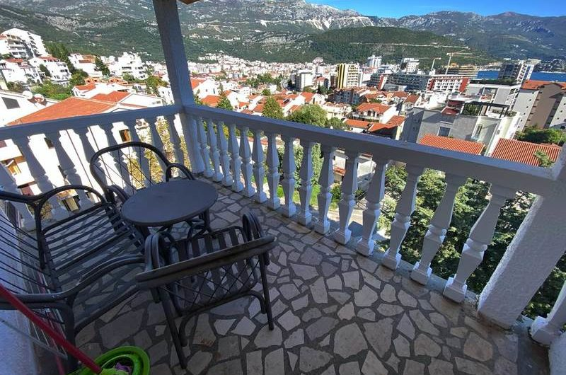 Apartment with 2 bedrooms in Babin Do, Budva. Inexpensive!