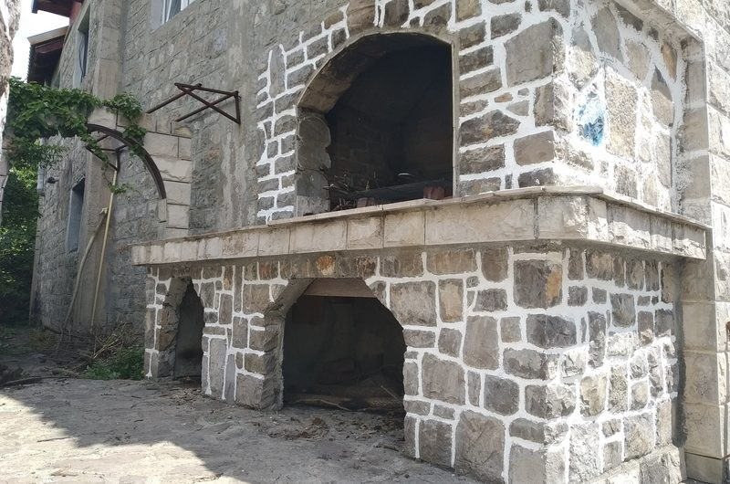 Stone house with sea views in Bogishichi, Lustica