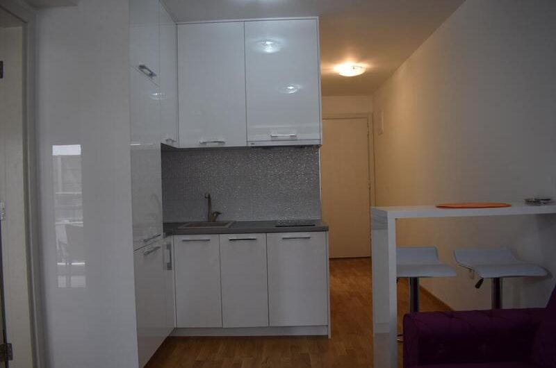 Apartment in the Fontana complex. 1 line! Centre!