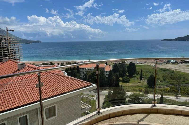 New apartment in a hotel complex 150 meters from the sea. 1.600 euro / m2