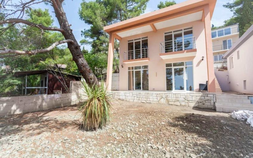 Inexpensive villa in Bar, Zeleni pojas