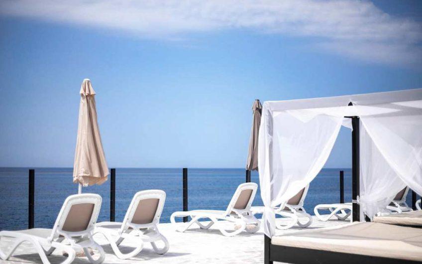 Sea front villa in Dobry Vody. A discount!